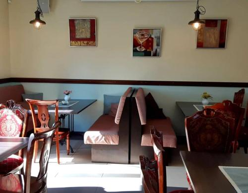 Tristvere Guesthouse-Cafe