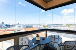 Central Lootsi Lux Apartment with terrace…